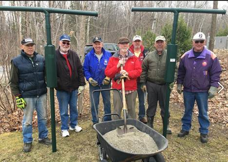 2016-04 Hudson Legion volunteers installing bird feeders